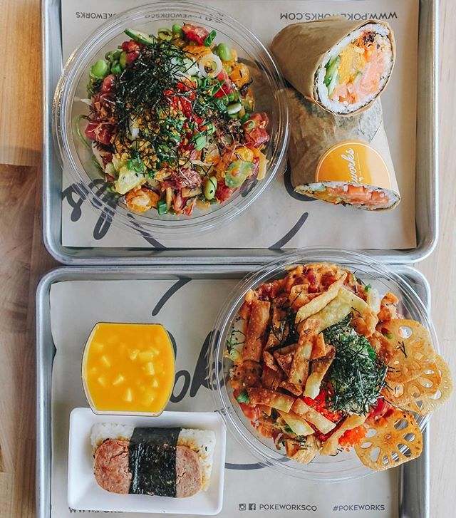 Poke is always enjoyed more with friends, especially when you can sneak in a few bites of their food too! 😉🤫 #pokeworks 📷: @valerieaye