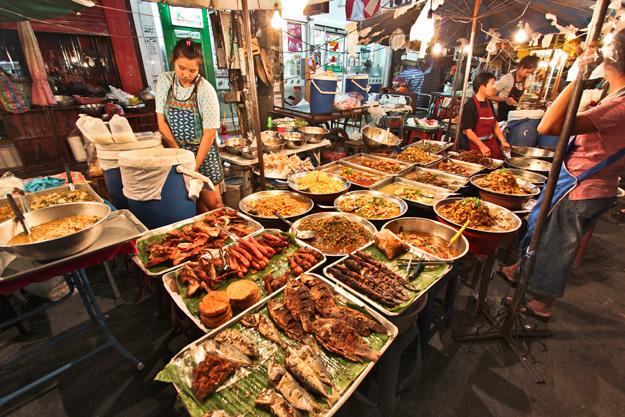 Thailand-Chiang-Mai-Gate-Food-Vendors.jpg