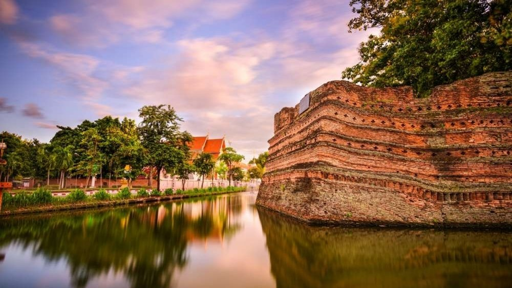 Chiang-Mai-Old-City-Moat.jpg