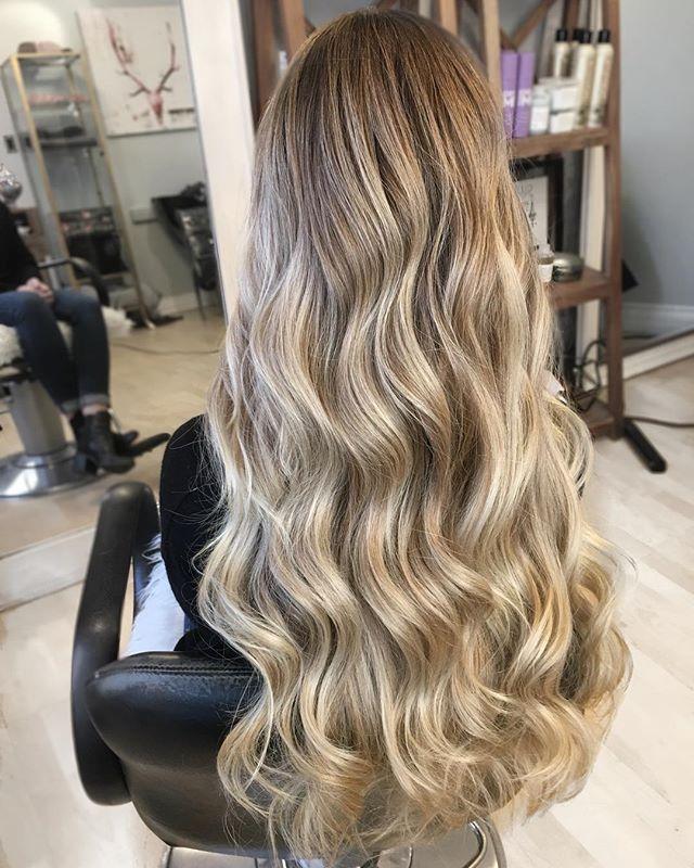Babylights with @redken shades EQ gloss ✨ . . . . #blonde #blondebabe #yeg #yeghair #edmontonhair #edmontonstylist #fckinghair #balayagedandpainted #balayage #handpainting #balayagehighlights #softcurls #longhair #behindthechair #modernhair #beauty #cosmopolitan #softblonde #blondehair #modernsalon #balanceandcomposure #yegbiz #yegmade #yegartist #yegbeauty #bestofbalayage #showmethebalayage#licensedtocreate #hairpainters