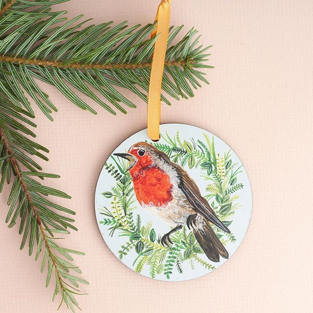 These Robin decorations have been popular recently 🌿 I'll be taking them with me (and a whole lot more) to @madeinbristolshops at the Colston Hall this Saturday for my last Christmas market of the season! Catch me in the entrance hall, not my usual spot 👌🏻