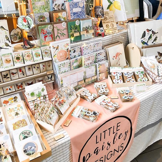 My last market of the year was @madeinbristolshops on Saturday 🎄It was such a lovely day, thanks to every person that bought something or said a kind word ✨ I might not be doing any more markets, but you can still shop everything on my website, Etsy shop and Not On The Highstreet 👌🏻