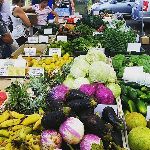 #abundance of #local #organic #fruit & #vegetables every Wednesday and Saturday at @napili_farmers_market