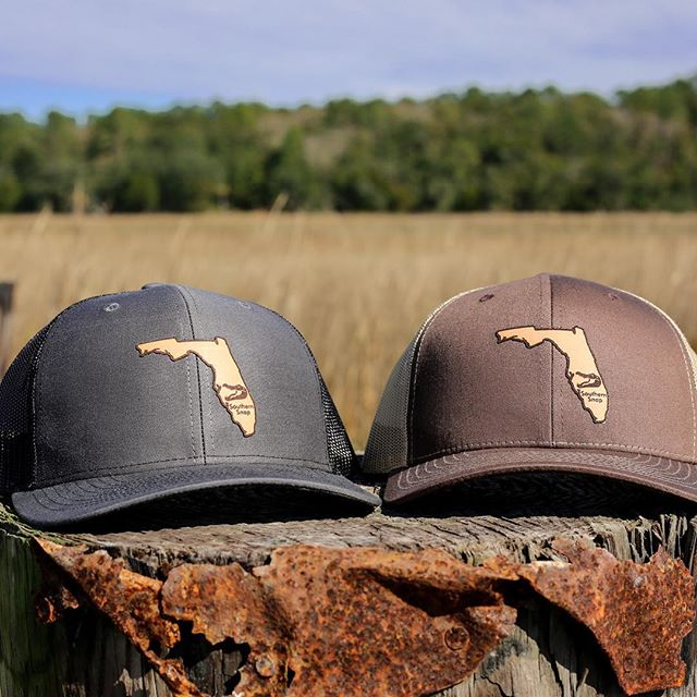 Hey Florida, have you seen our new leather patch hats? We are loving it! . . . . . #sunshinestate #florida #leatherpatch #southernsnap #snapofthesouth #hunting
