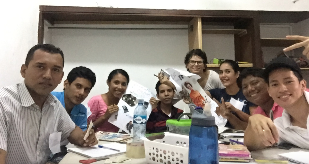 Courtney with students in León at ITA Nicaragua 2016-