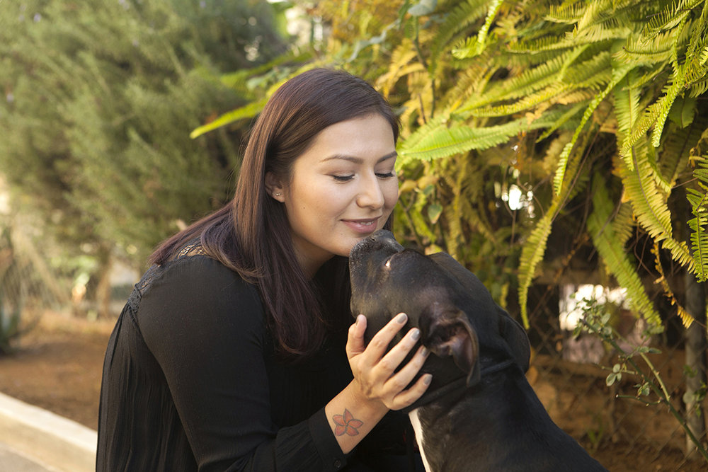 Beauty blogger Noeli Pelaez and her pitbull.