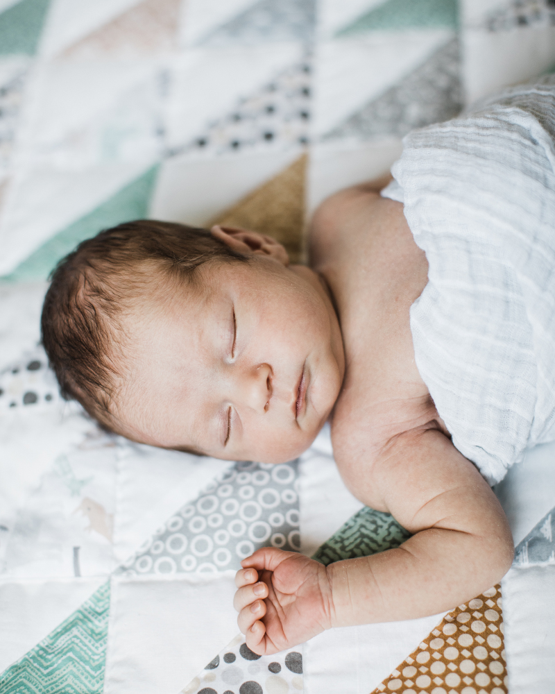 kriech-higdon-photography-louisville-ky-newborn-photos-3.jpg