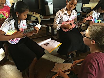 Teaching ukes: Mira's Method