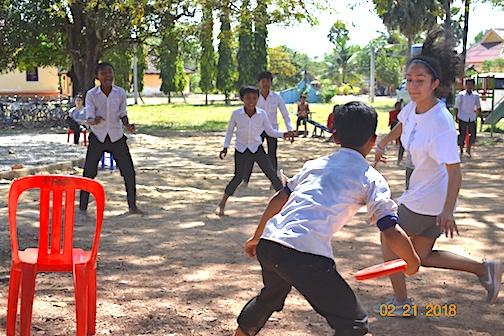 Bita plays ultimate frisbee defense