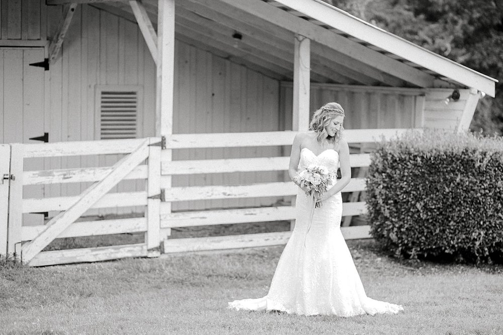 Historic-Oak-View-Raleigh-NC-Bridal-Portraits-15