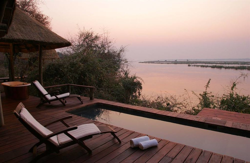 deluxe-lounge-terrace.jpg.1024x0.jpg