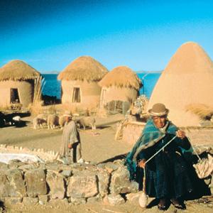 peru_lake-titicaca-huts.jpg