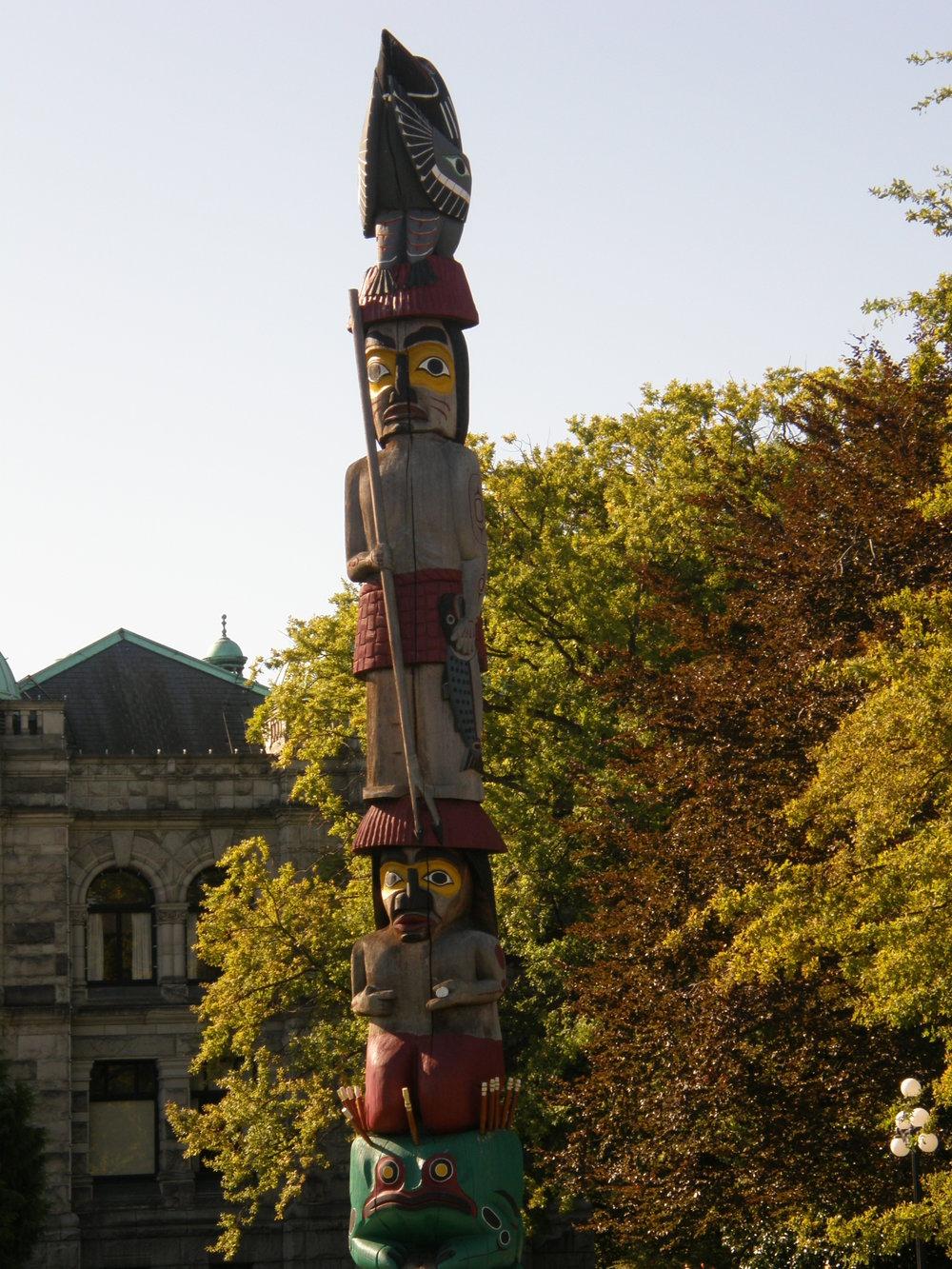 Native Totem Pole Victoria.JPG