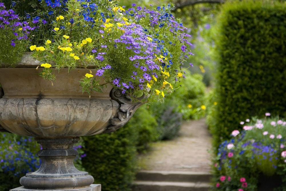 garden-urn.jpg