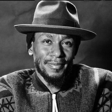 mos def black and white square