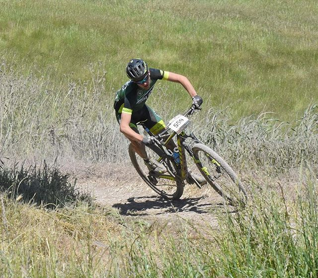 Late post, but hey, it's here. My final CA State Championship race of my high school racing career. (See previous post for the sappy stuff). Great race with great guys, unfortunately missed the podium, but it was hard fought and I'm happy with how it went #noshortcuts @scottsports @bikeonscott @srammtb @jakroousa @stansnotubes @dumondetech @schwalbetires @esigrips @genuineinnovations