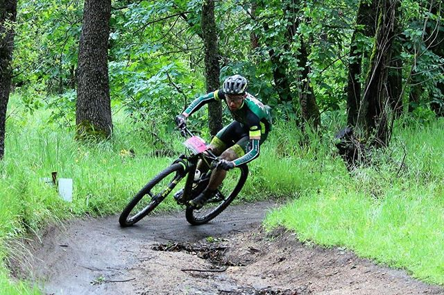 In honor of the rain today, here's a throwback to when it rained all the time. You are sincerely not missed  #scott2luvit #noshortcuts @scottsports @bikeonscott @srammtb @jakroousa @stansnotubes @dumondetech @schwalbetires @esigrips @genuineinnovations