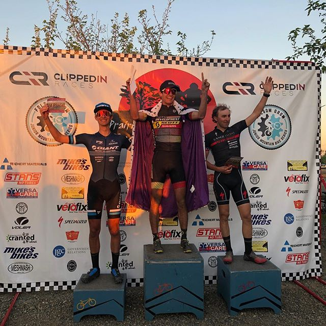 Had a great time racing out at #wednesdaynightworlds last night! Super stoked to have come away with the win!  @scottusadev #scottsports @bikeonscott #jakroousa #jakroofast #jakroo @dumondetech @esigrips @scienceinsport @srammtb @genuineinnovations
