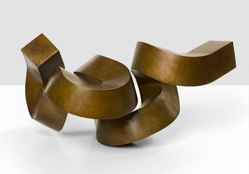 Meadmore sculpture.