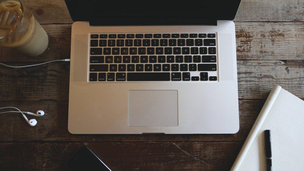 wood-coffee-iphone-notebook.jpg