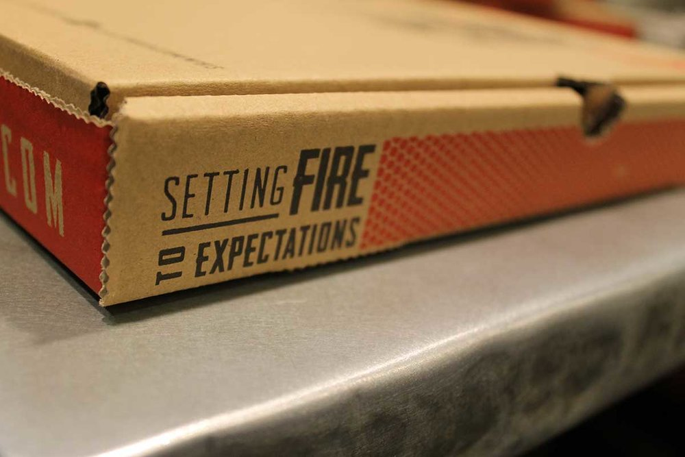 Pyros Fire Fresh Pizza   Detail shot of pizza box. More photos and information on the  Pyro's project page .