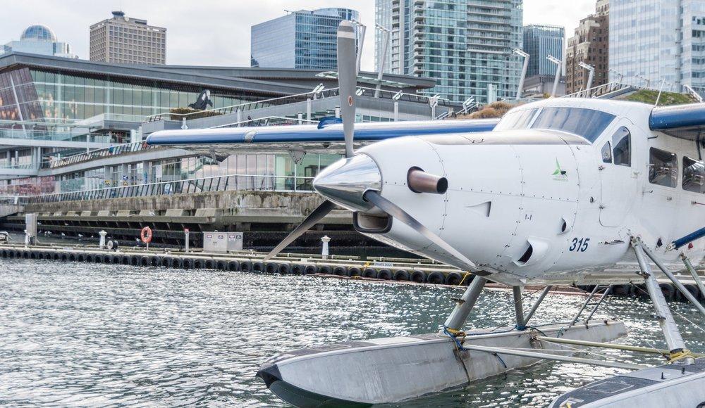 Vancouver seaplane harbour air