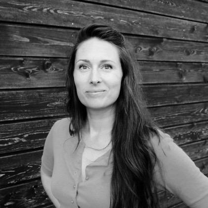 Naomi Devlin Author 2-1.jpg