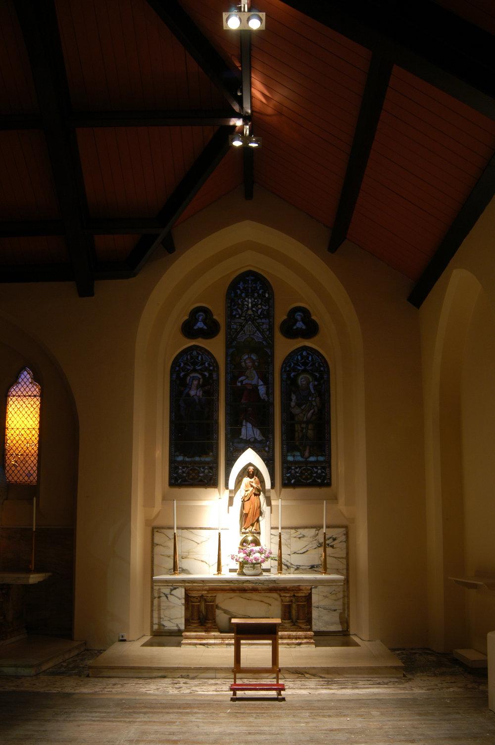 St Mungos side chapel 2.jpg