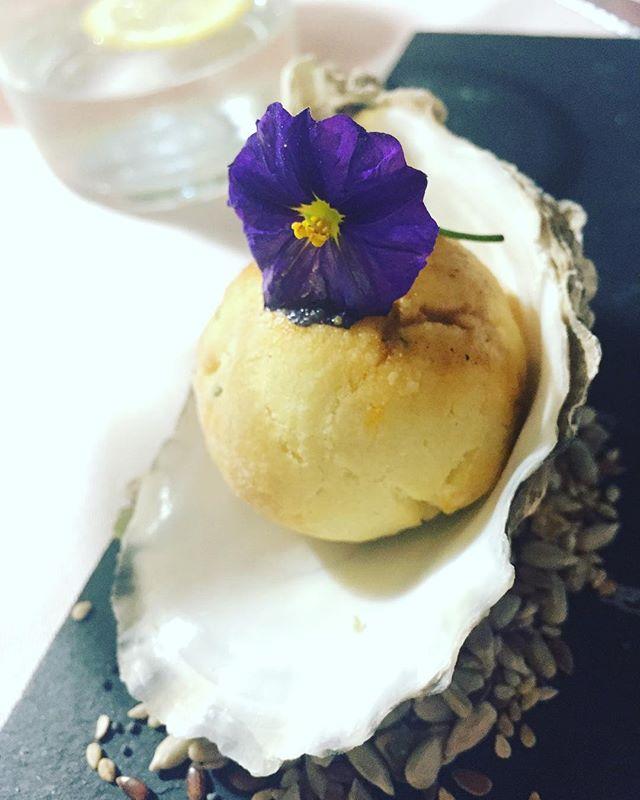 Amuse of bread with seaweed.  #yougottaeatthis  #foodstagram #eats #igfood  #foodie #yum #foodphotography  #huffposttaste #foodbloggers #yummie #tastespotting  #food #foodlove #foodies #foodblog #foodblogger #truecooks #instaphoto #foodpics #foodlover #fooddiary #foodaddict #foodography #foodtime #yummy  #nomnom #foodporn