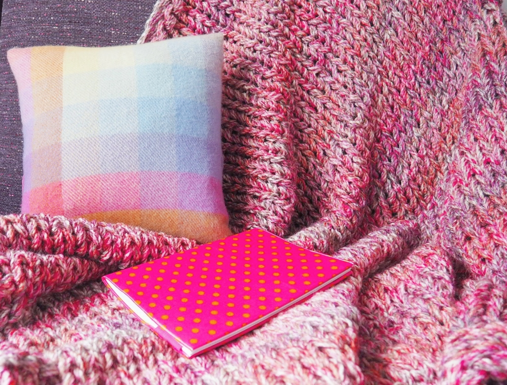 Snuggle Blanket in pink
