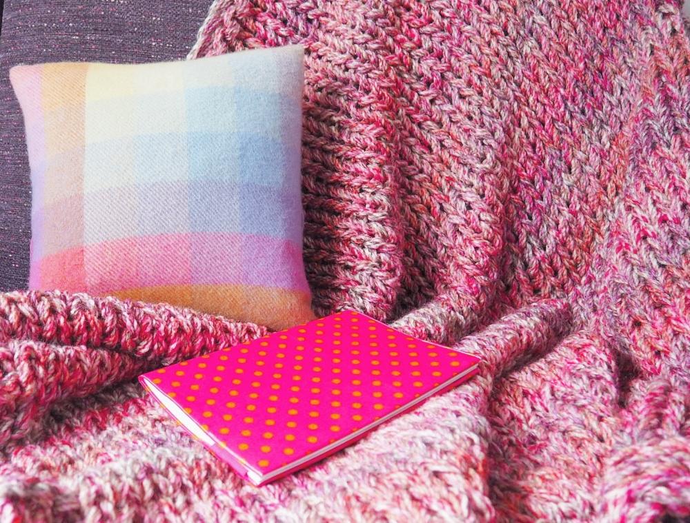 Snuggle Blanket in pink