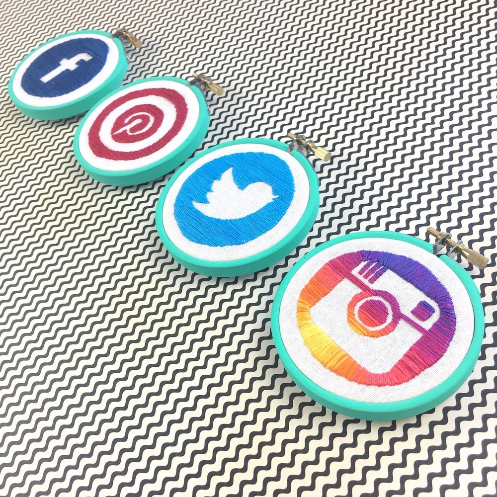 @hellohoorayblog Social icons hoops.jpg