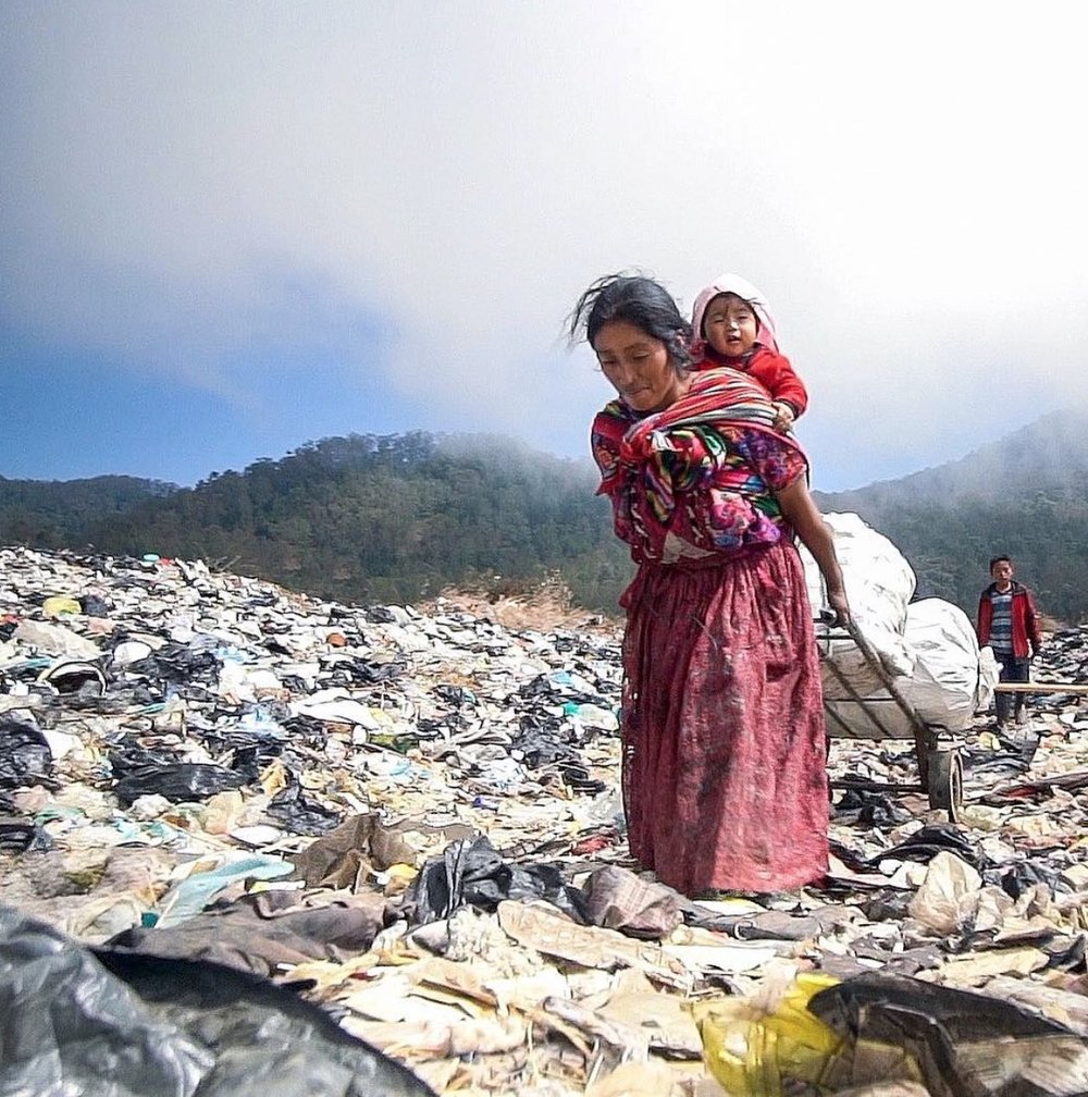 María Ofelia has been living and working in a Guatemalan trash dump to support her young family. Picture: Verse Stories.