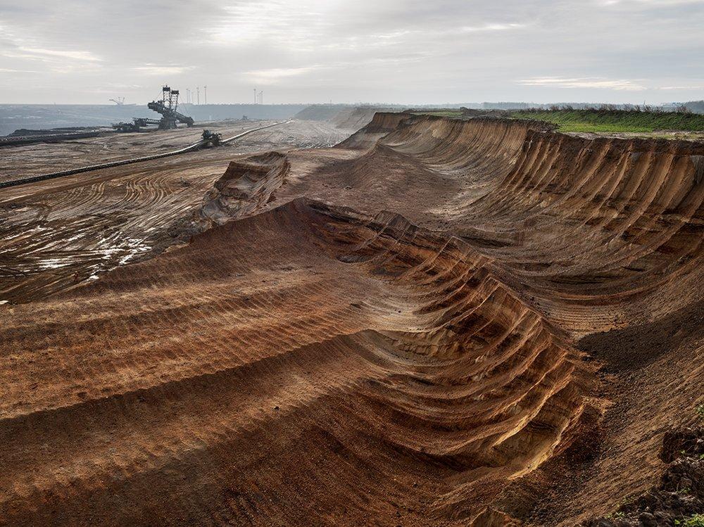 Coal Mine #1, North Rhine, Westphalia, Germany 2015. Photo © Edward Burtynsky, courtesy Flowers Gallery, London / Nicholas Metivier Gallery, Toronto