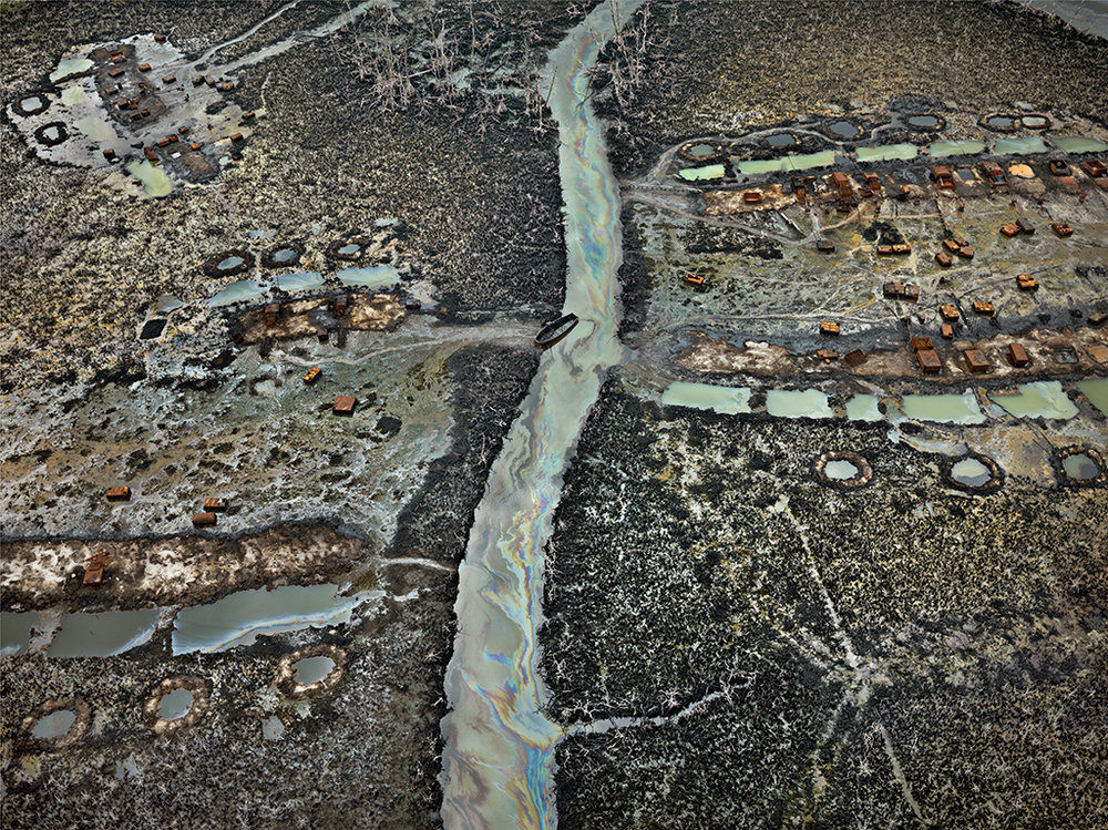 Oil Bunkering #1, Niger Delta, Nigeria 2016. Photo © Edward Burtynsky, courtesy Flowers Gallery, London / Nicholas Metivier Gallery, Toronto