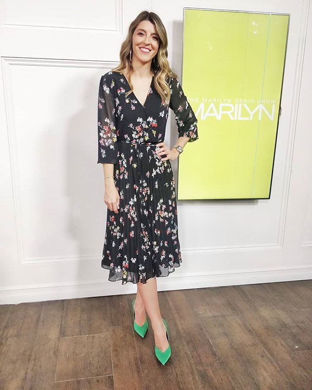 Ladylike vibes today for @themarilyndenisshow 🎥📺 did you catch my warm cool segment to find your best colors? Let me know which you are! ✨ I'm definitely cool undertoned 💃💃