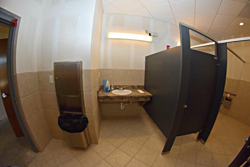 21519 US W Bathroom.jpg