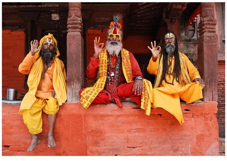 hindu-holymen-in-nepal.jpg