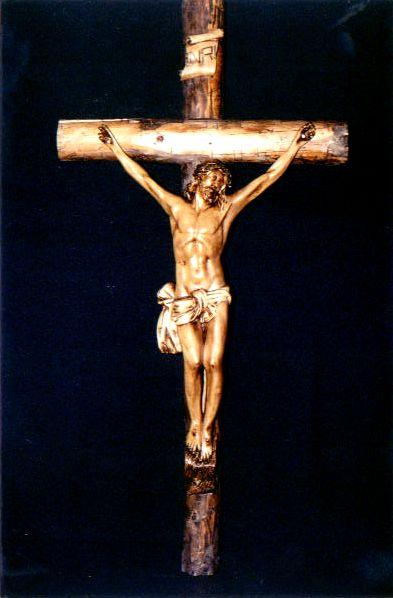 crucifix_vertical.jpg