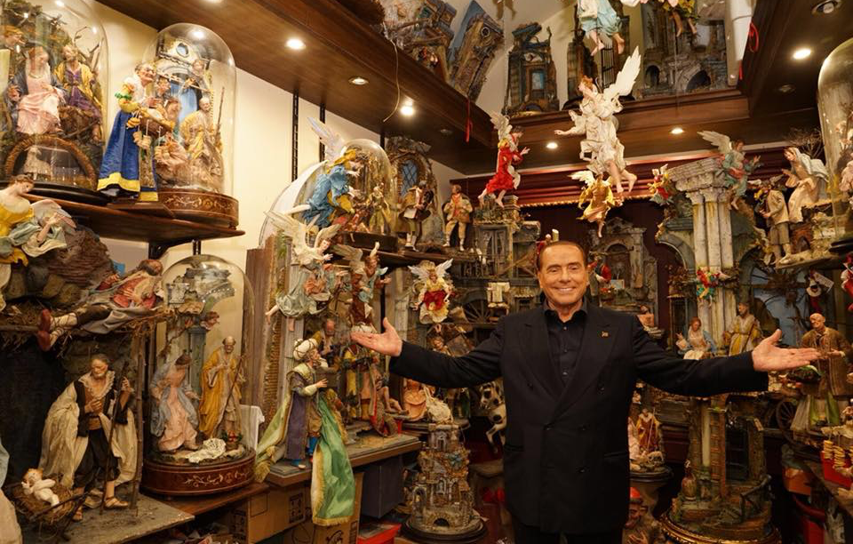 Former Italian Prime Minister Silvio Berlusconi visits a shop in Naples famous for making Nativity scenes just days before national elections. Twitter @Berlusconi