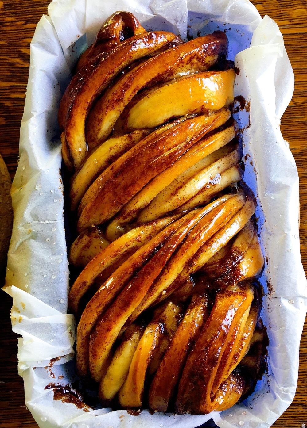 Baked cinnamon babka