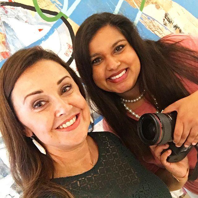 Easy breezy #photoshoot 📸 with @fivebyfivephoto today! Thank you @vidyutarangnekar for your #creativity & #talent  #allsmiles #websitedesign #websiterefresh #branding #brandingphotography #personalbranding #designerlife #freelance #graphicdesigner