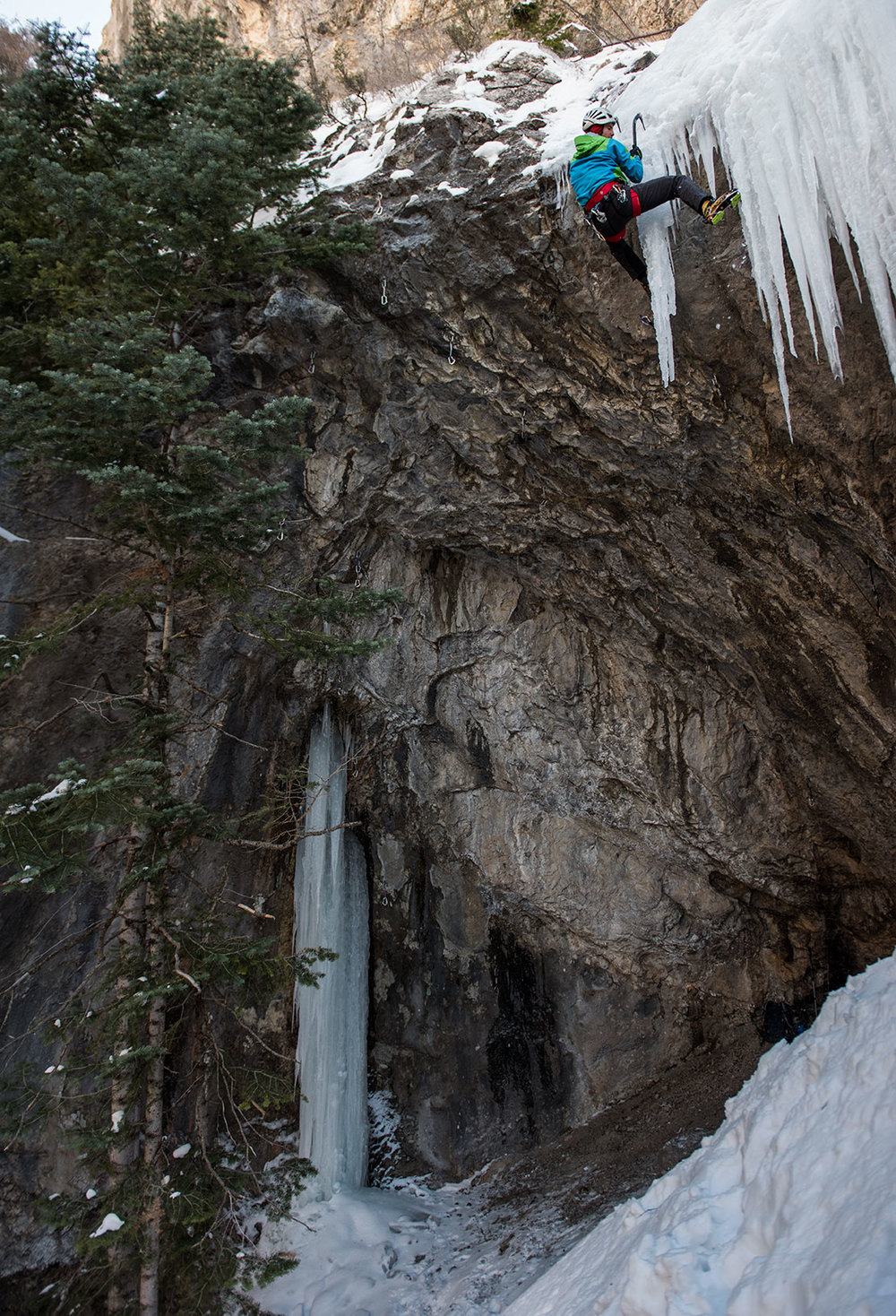 Lane_Peters_Multimedia_Mark-Pugliese_Santaquin_ice_Climbing.jpg
