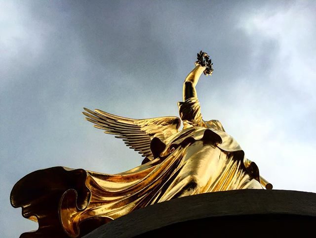 #Himmel#Uber#Berlin#Wenders got it right! #golden#statue#germany_fotos