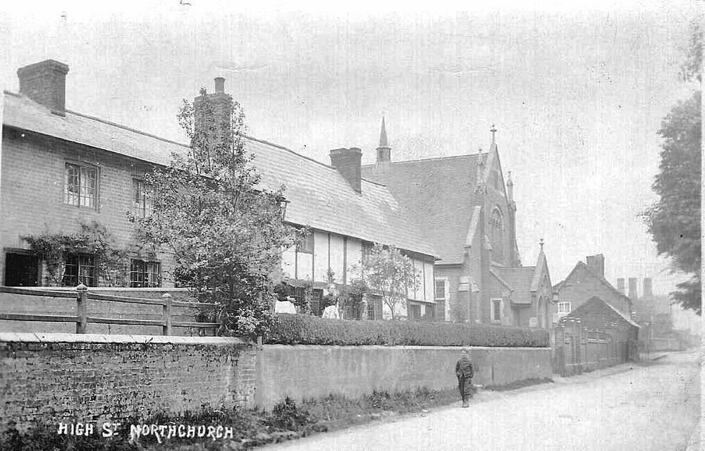 New Baptist Chapel 1900                                                        Picture courtesy of The Northchurch Society