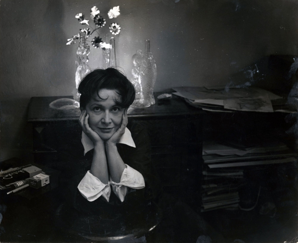 Photograph of Hedda Sterne at her home in New York, 1950 | Photograph by Karl Bissinger