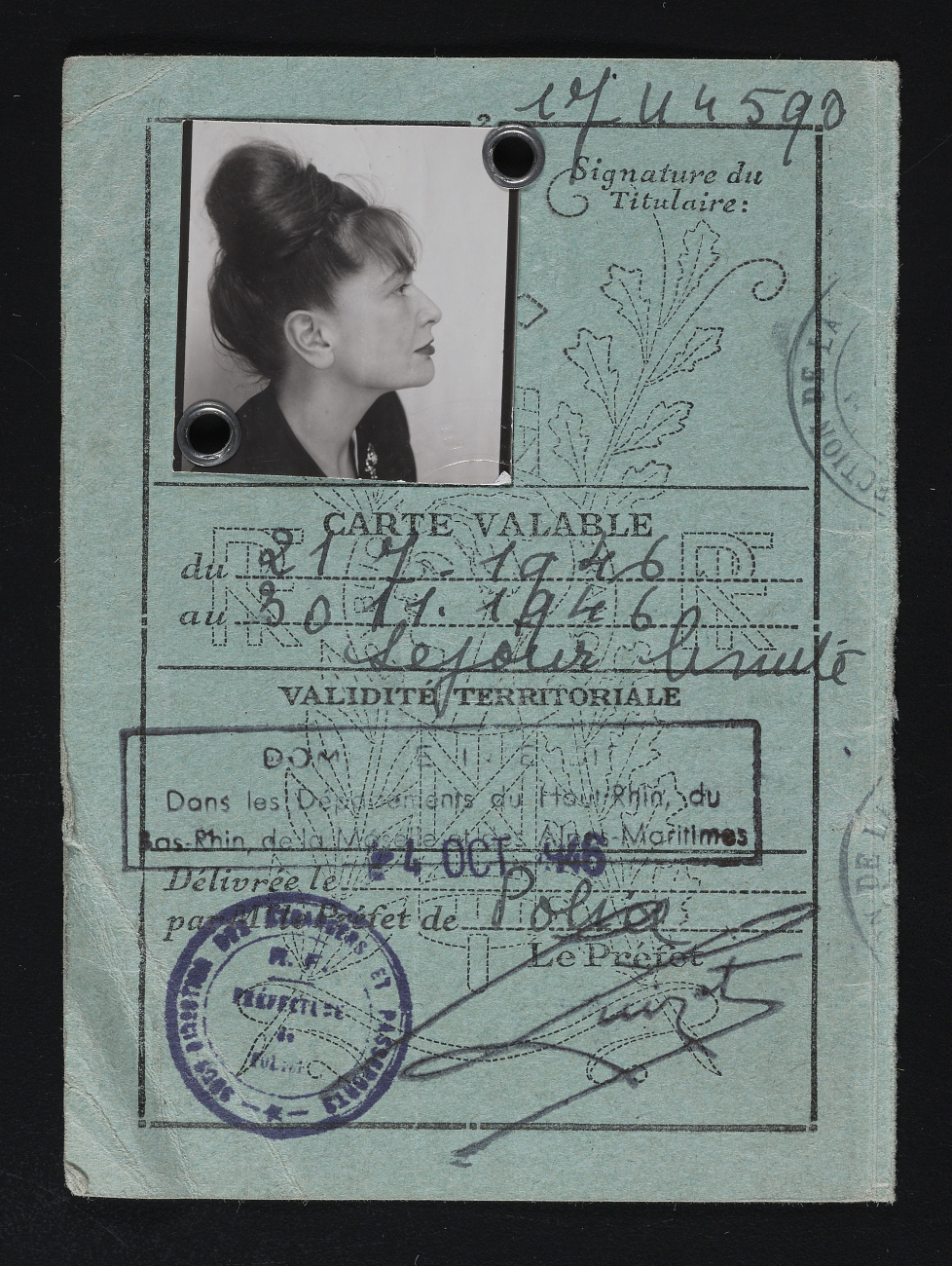 Hedda Sterne's 1946 ID card from her first trip back to Paris after the end of World War II | From the Hedda Sterne papers, 1939-1977 - Archives of American Art, Smithsonian Institution
