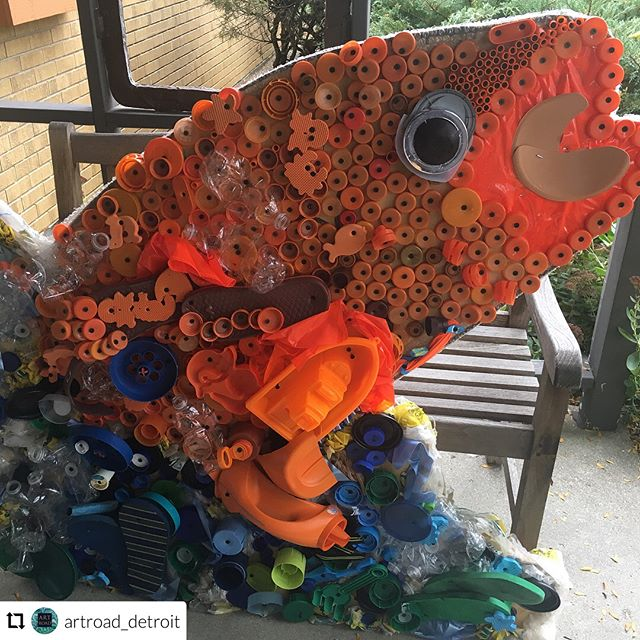 Check out the Great Lakes Fish Sculptures KWoods Art Honors Society helped create at the Toledo Zoo this weekend!  #Repost @artroad_detroit ・・・ We're going to the Zoo, Zoo, Zoo, everybody me and you, you, you.  Toledo Zoo, August 4th and 5th, 10-5pm, Art Road's Great Lakes Recycled Fish Sculptures will be on exhibition outside the Aquarium as part of Wild About Art, two day art fair and activities.