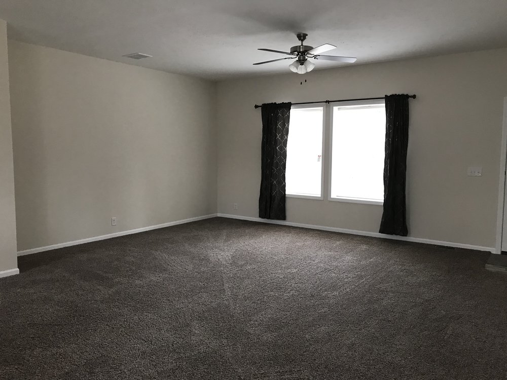 Doss Family Room.jpg