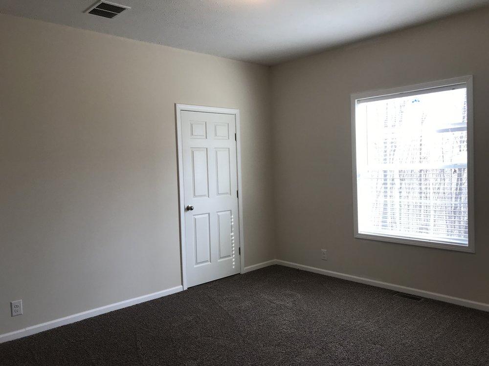 Doss Bedroom 2.jpg